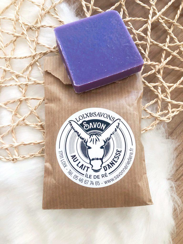 Le savon au lait frais d'ânesse bio de la marque cosméto.ré de la Savonnerie de l'île de Ré