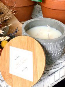 Paddywax bougie Tobacco et patchouli chez Notino